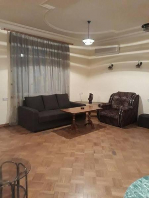 Apartment Mashtots 19